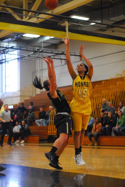20120225_MCC Basketball_0059