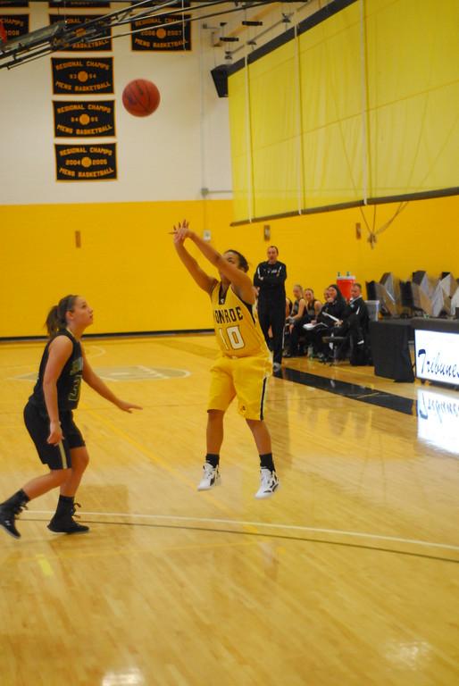 20120225_MCC Basketball_0186