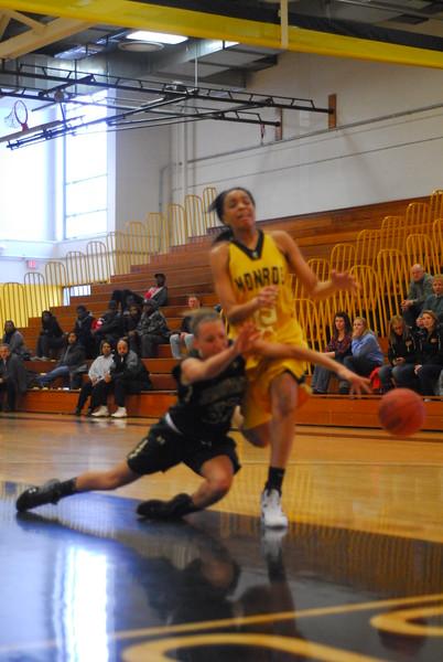 20120225_MCC Basketball_0053