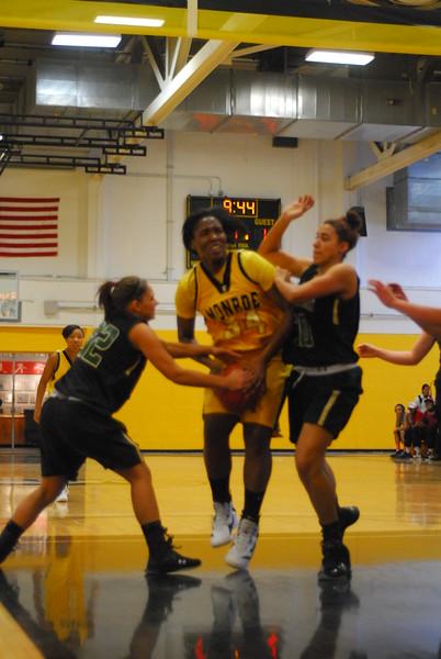 20120225_MCC Basketball_0031