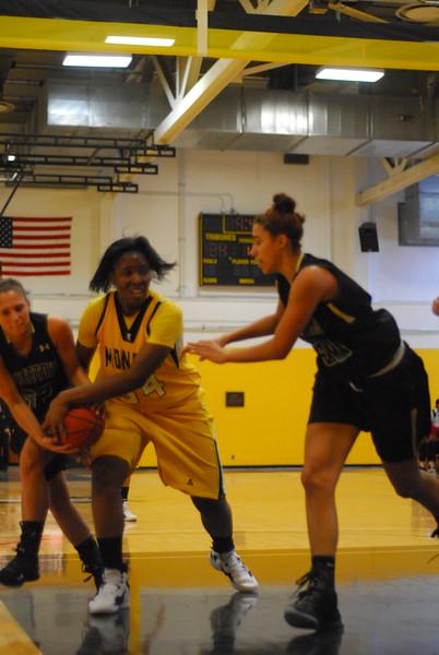 20120225_MCC Basketball_0035