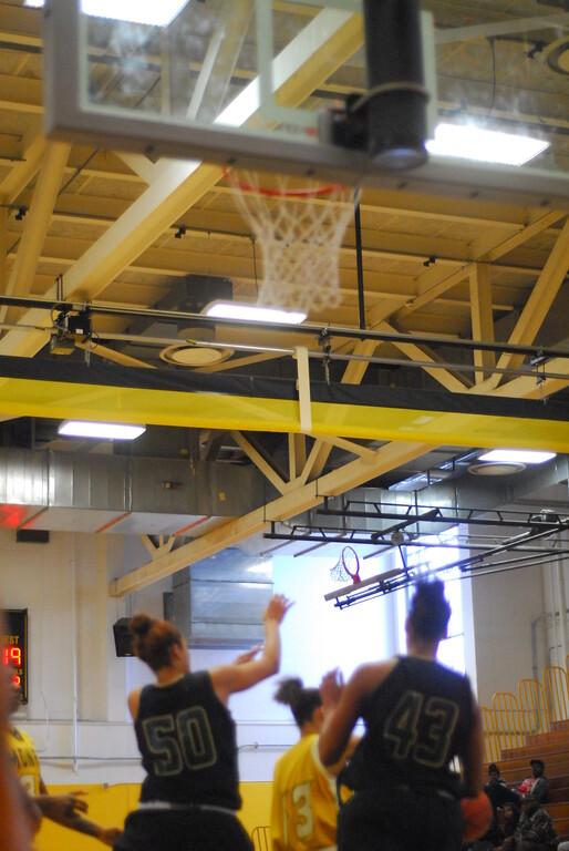 20120225_MCC Basketball_0054