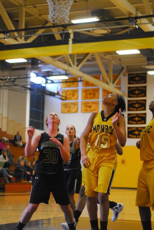 20120225_MCC Basketball_0144