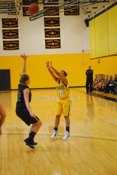 20120225_MCC Basketball_0184