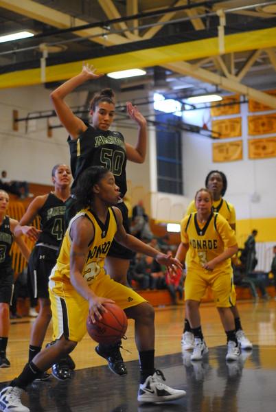 20120225_MCC Basketball_0102