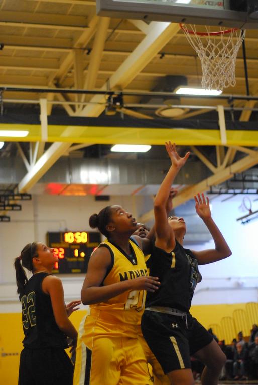 20120225_MCC Basketball_0016