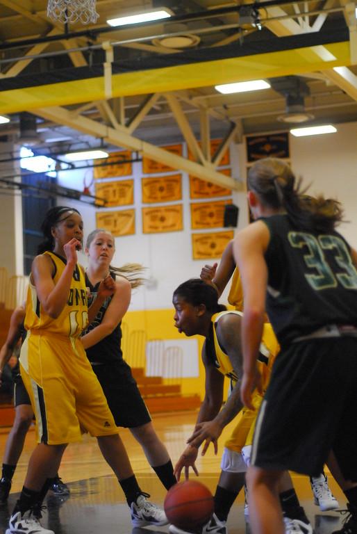 20120225_MCC Basketball_0164
