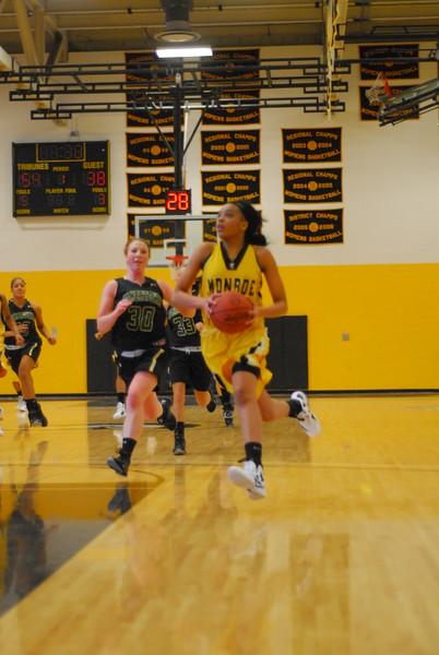 20120225_MCC Basketball_0150