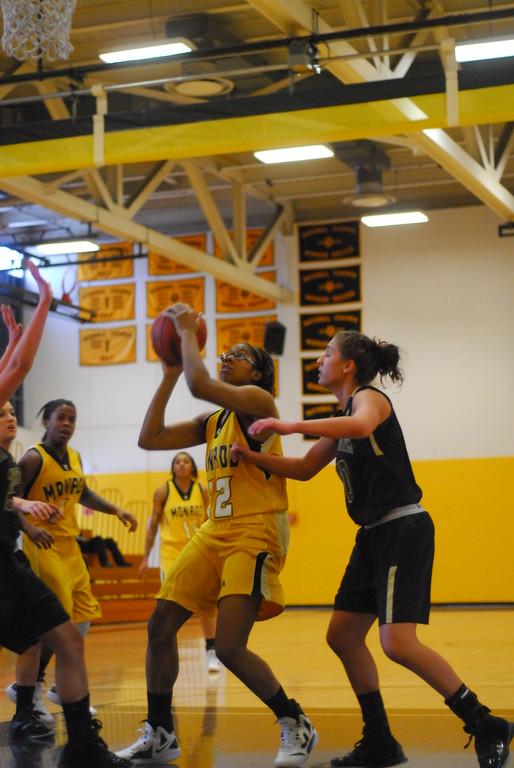 20120225_MCC Basketball_0133