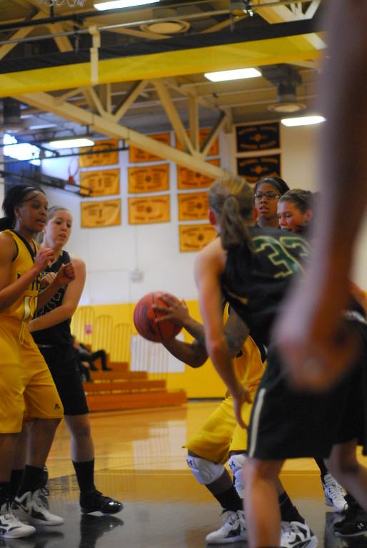 20120225_MCC Basketball_0166