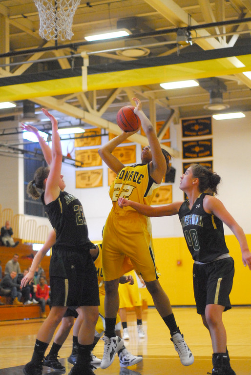 20120225_MCC Basketball_0135a