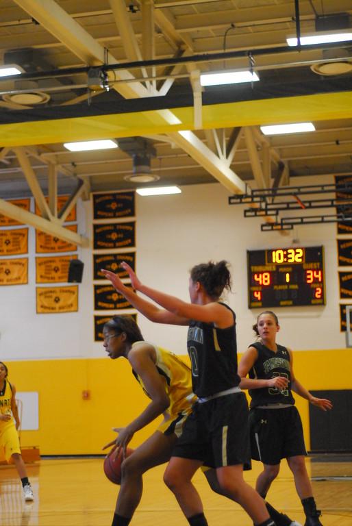 20120225_MCC Basketball_0131