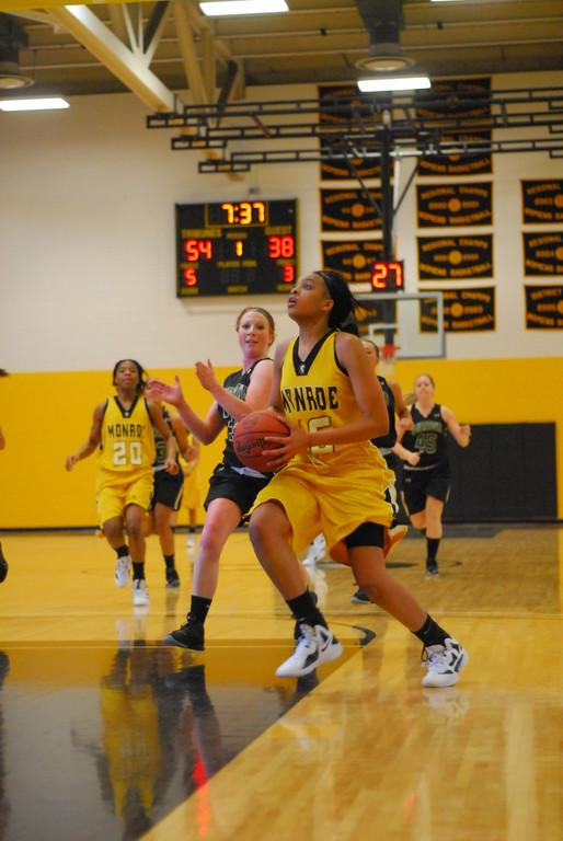 20120225_MCC Basketball_0151