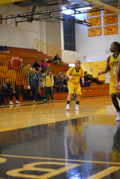 20120225_MCC Basketball_0111