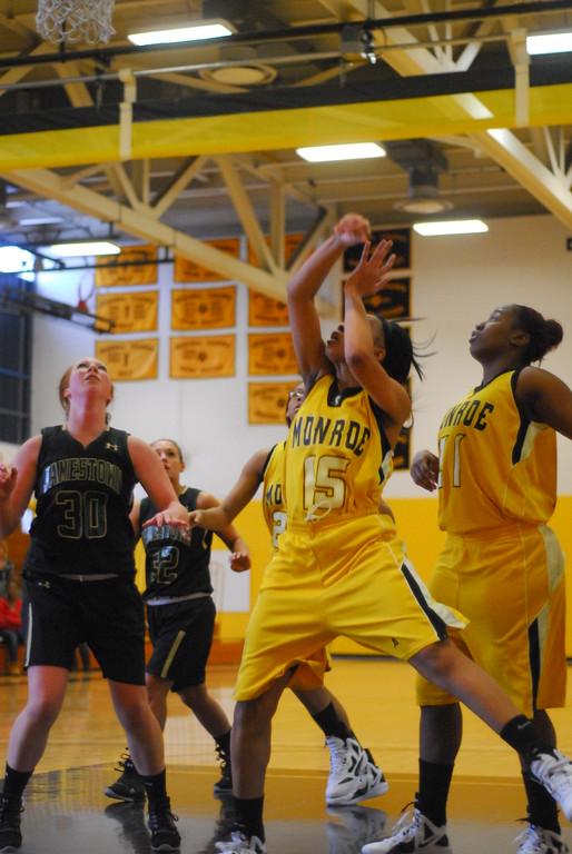 20120225_MCC Basketball_0143