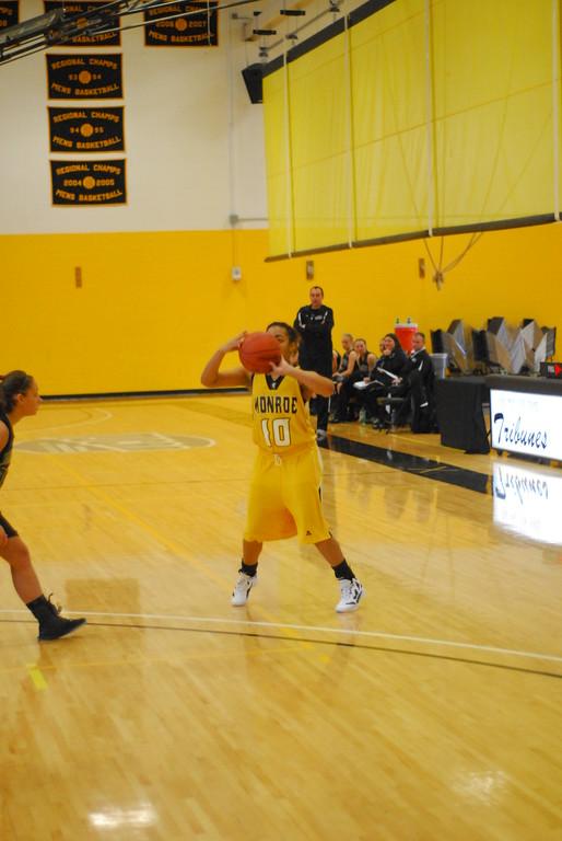 20120225_MCC Basketball_0185