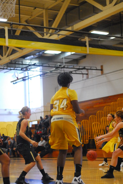20120225_MCC Basketball_0079