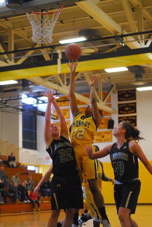 20120225_MCC Basketball_0134