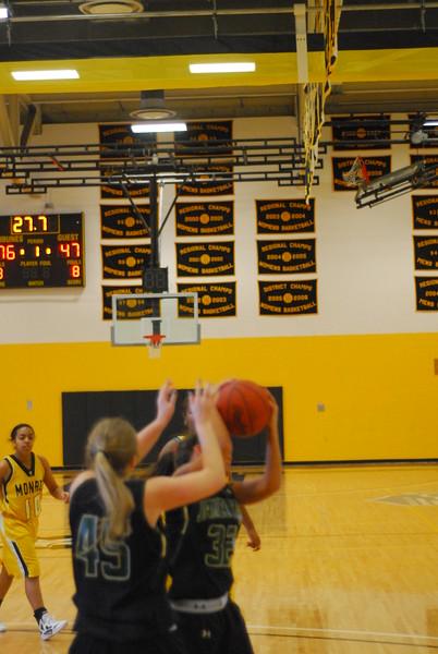 20120225_MCC Basketball_0191