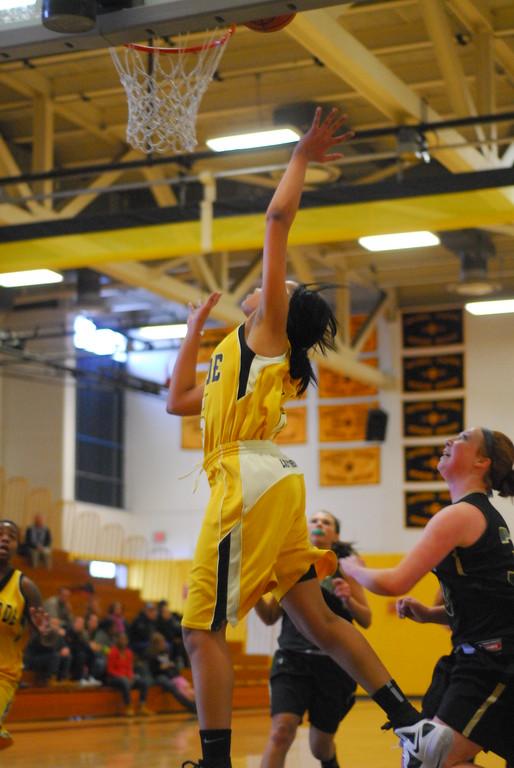 20120225_MCC Basketball_0154