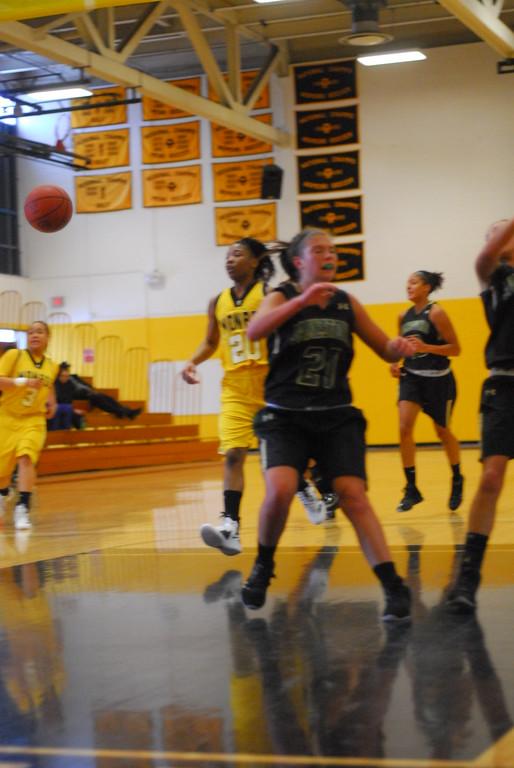 20120225_MCC Basketball_0110