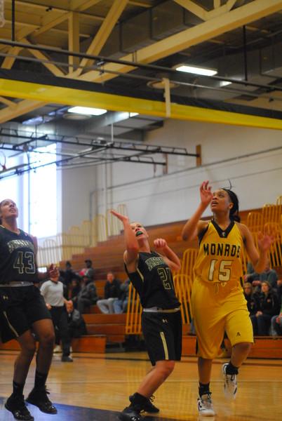 20120225_MCC Basketball_0060