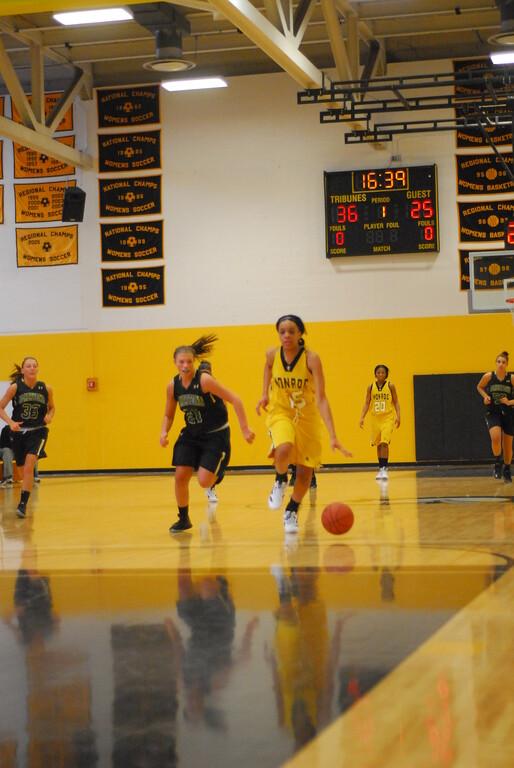 20120225_MCC Basketball_0094