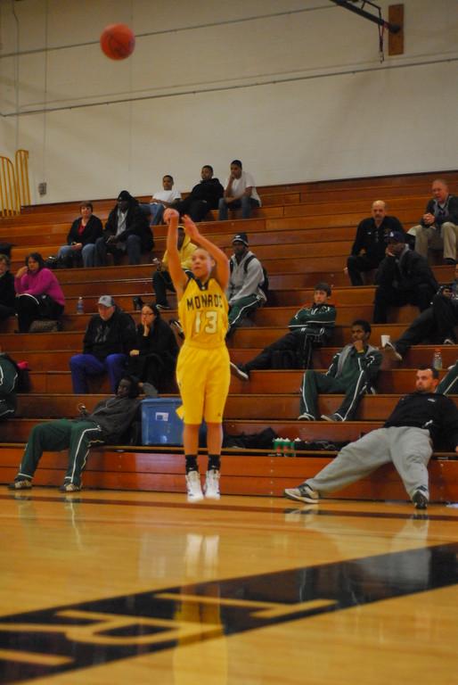 20120225_MCC Basketball_0075