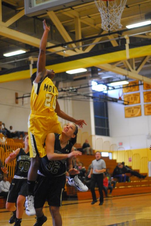 20120225_MCC Basketball_0121