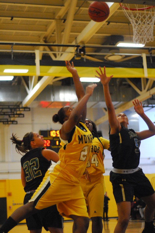 20120225_MCC Basketball_0015