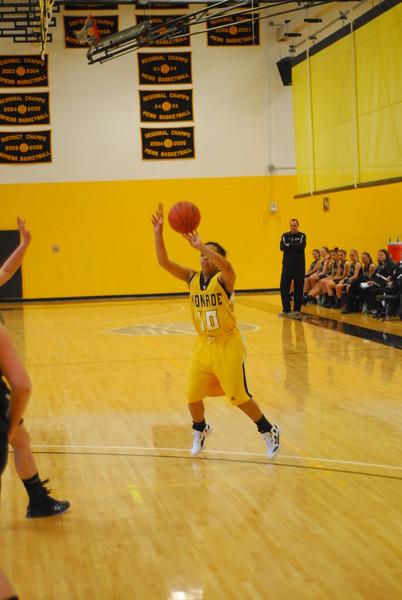 20120225_MCC Basketball_0183