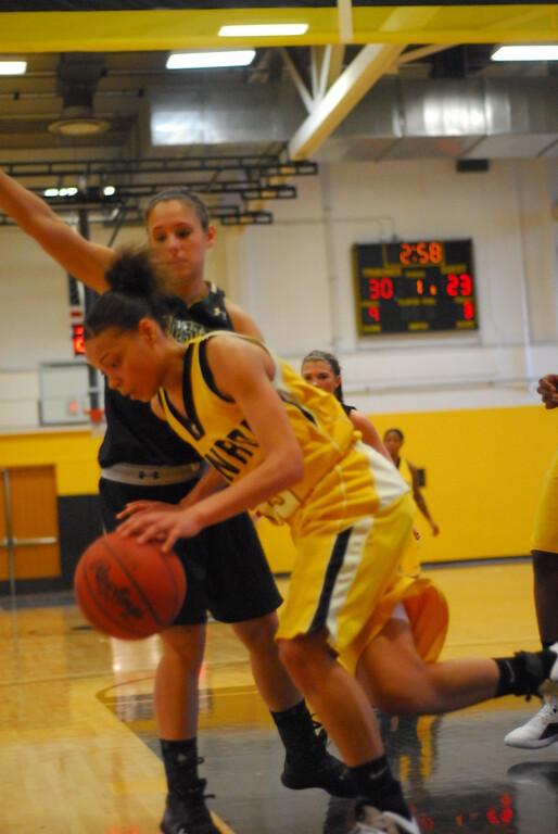20120225_MCC Basketball_0069