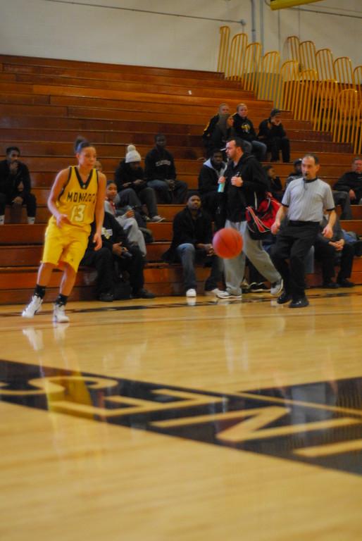 20120225_MCC Basketball_0113