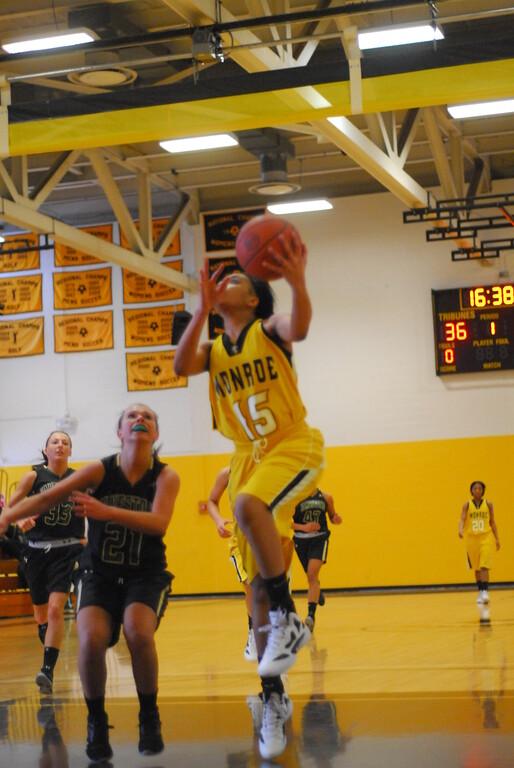 20120225_MCC Basketball_0098