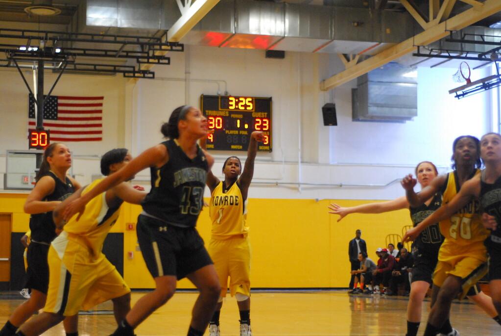 20120225_MCC Basketball_0067
