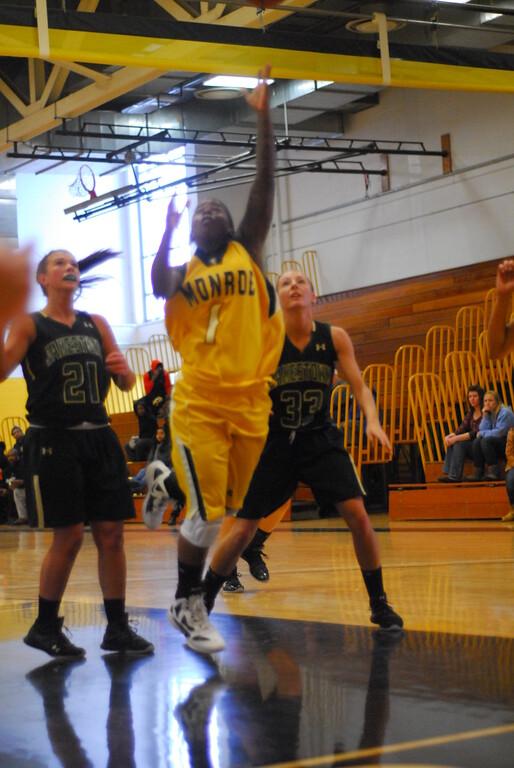 20120225_MCC Basketball_0065