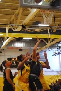 20120225_MCC Basketball_0017