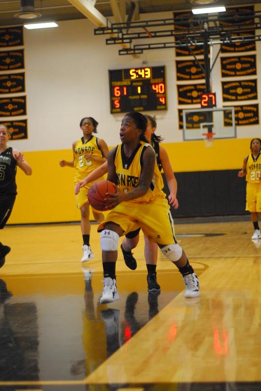 20120225_MCC Basketball_0161