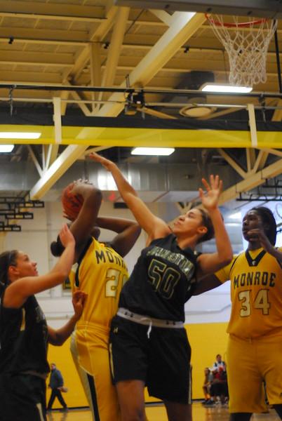 20120225_MCC Basketball_0023