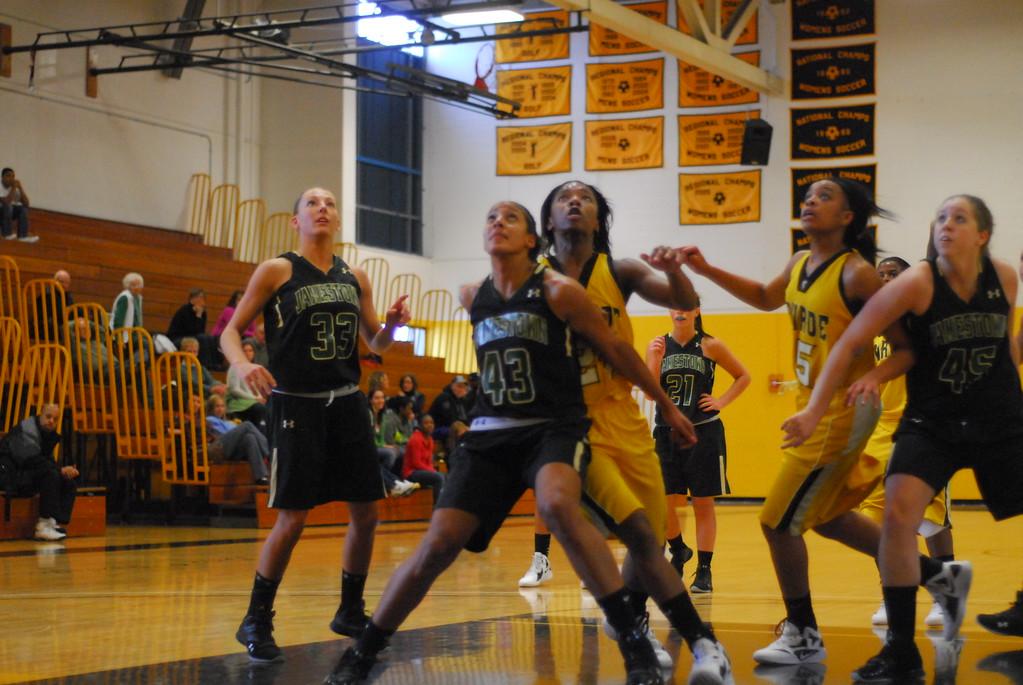 20120225_MCC Basketball_0159