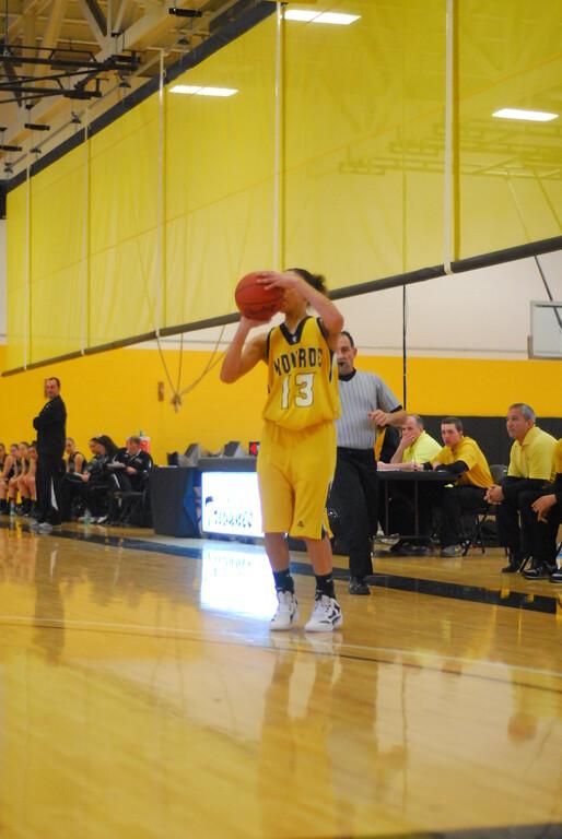 20120225_MCC Basketball_0085