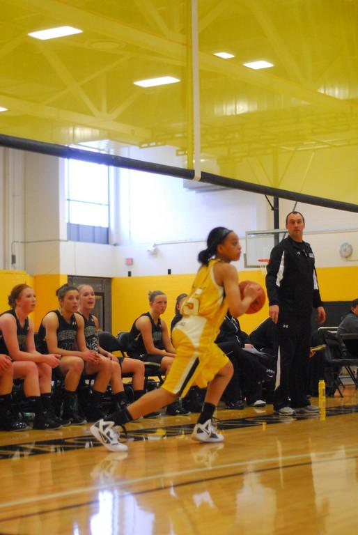 20120225_MCC Basketball_0037