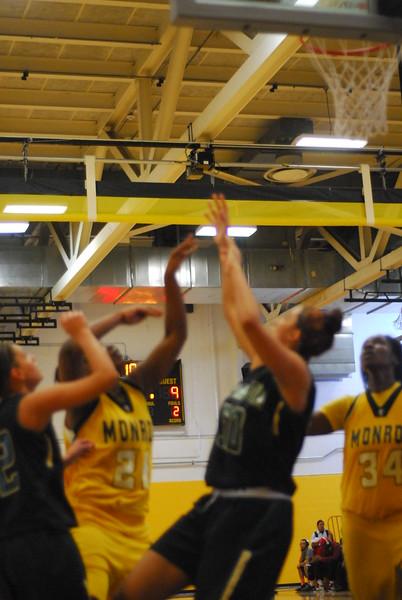 20120225_MCC Basketball_0021