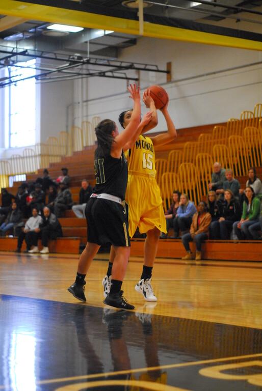 20120225_MCC Basketball_0057