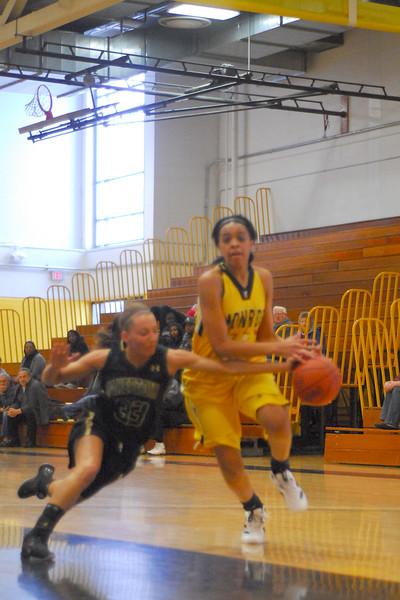 20120225_MCC Basketball_0051a