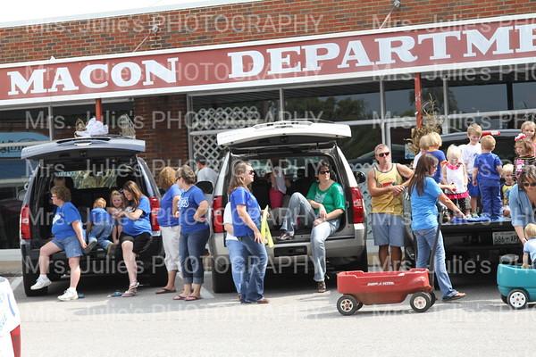 MCHS Football Homecoming Parade 2013