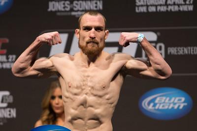 UFC159_WeighIns-205