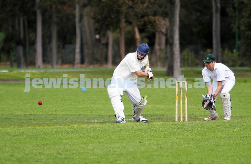 13-10-12. Maccabi Cricket v Powerhouse. Mark Soffer Photo: Peter Haskin