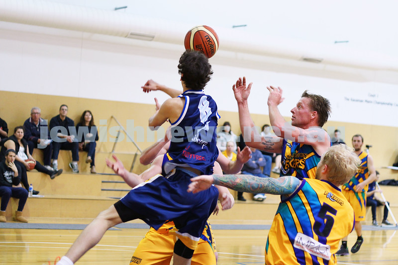 1-6-14. Basketball. Maccabi Warriors lost to Mornington Breakers. 43-61. Ben Polonsky . Photo: Peter Haskin