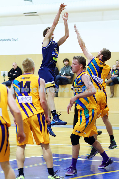 1-6-14. Basketball. Maccabi Warriors lost to Mornington Breakers. 43-61.  Benji Tamir.  Photo: Peter Haskin